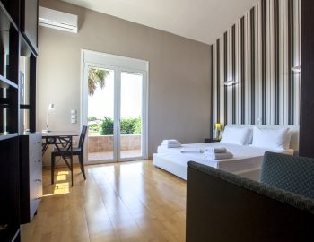 villa-nikopolis-preveza-greece-luxury-bedroom2_1