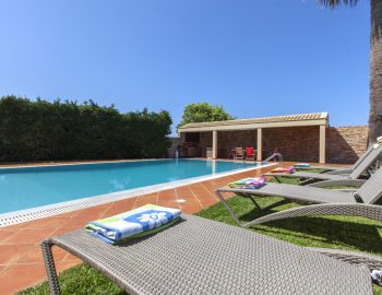 villa-nikopolis-preveza-greece-private-pool-with-sunbed