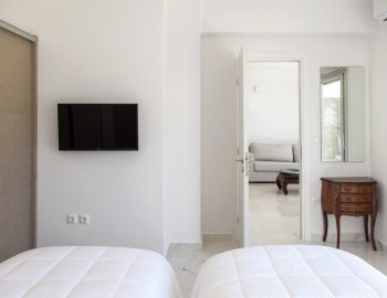villa-o-offwhite-vasiliki-lefkada-greece-ground-floor-twin-bedroom