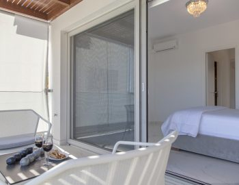 villa-o-offwhite-vasiliki-lefkada-greece-private-balcony