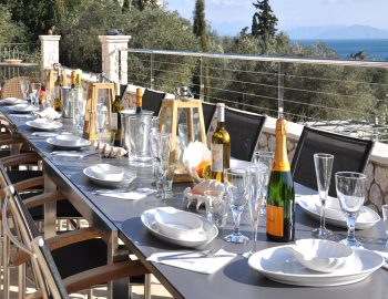 villa-seaview-corfu-greece-outdoor-dining