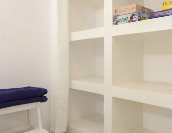 villa-selini-mikros-gialos-lefkada-greece-closet