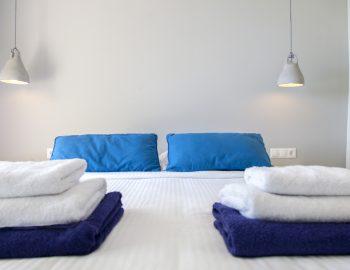 villa-selini-mikros-gialos-lefkada-greece-double-bedroom
