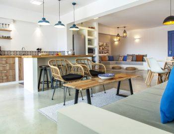 villa-selini-mikros-gialos-lefkada-greece-lounge-and-kitchen-area