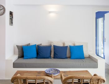 villa-selini-mikros-gialos-lefkada-greece-lounge-seating