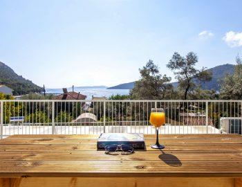 villa-selini-mikros-gialos-lefkada-greece-outdoor-bar-area-with-sea-view