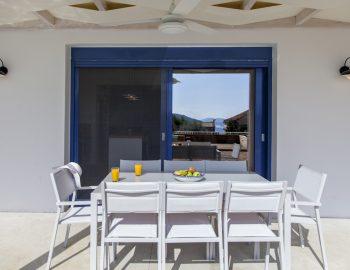 villa-selini-mikros-gialos-lefkada-greece-outdoor-dining-setting