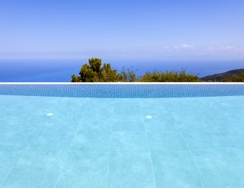 villa-sunset-kalamitsi-lefkada-greece-infinity-pool-over-the-ionian-sea