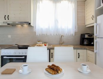 villa-vissala-arnebia-accommodation-lefkada-lefkas-dining-kitchen-area