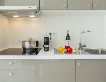 villa-w-offwhite-vasiliki-lefkada-greece-kitchen-area