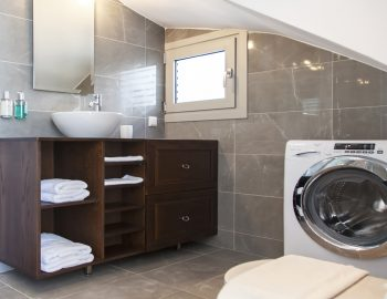 villa-w-offwhite-vasiliki-lefkada-greece-laundry-facilities