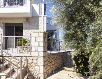 villa-zogianna-nikiana-lefkada-lefkas-front-private-entrance