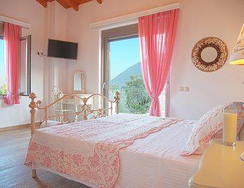 villa-zogianna-nikiana-lefkada-lefkas-master-bedroom-luxury