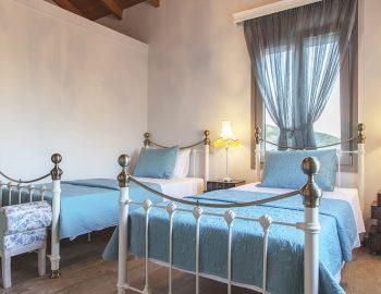 villa-zogianna-nikiana-lefkada-lefkas-twin-bedroom